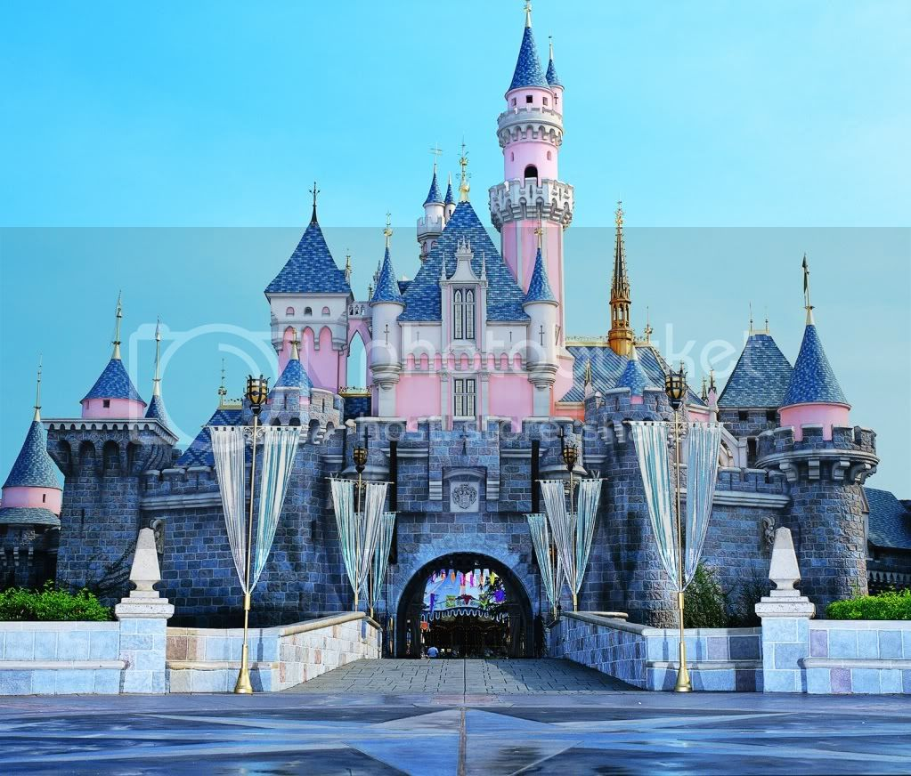 DL Castle Front Disney Destination and Cruise News