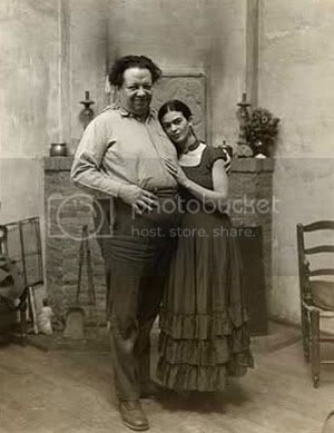 http://i573.photobucket.com/albums/ss177/believe_my/Kahlo-and-Diego-Rivera.jpg?t=1284899888