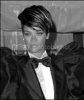 http://i573.photobucket.com/albums/ss177/believe_my/rihanna.jpg?t=1251829942